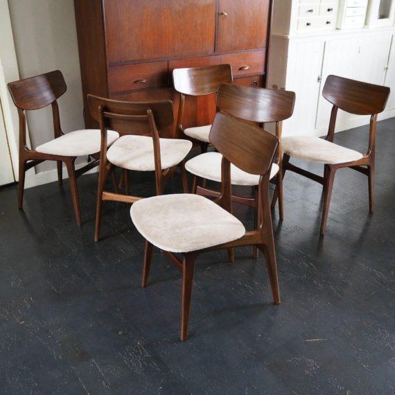 Zes stoelen van Louis van Teeffelen voor Wébé 60's - Setprijs sold