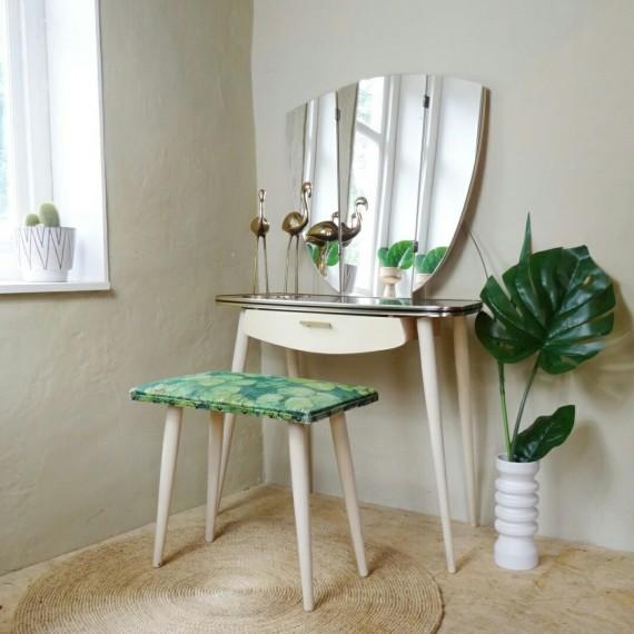 Vintage Kaptafel / Toilettafel en kruk - sold