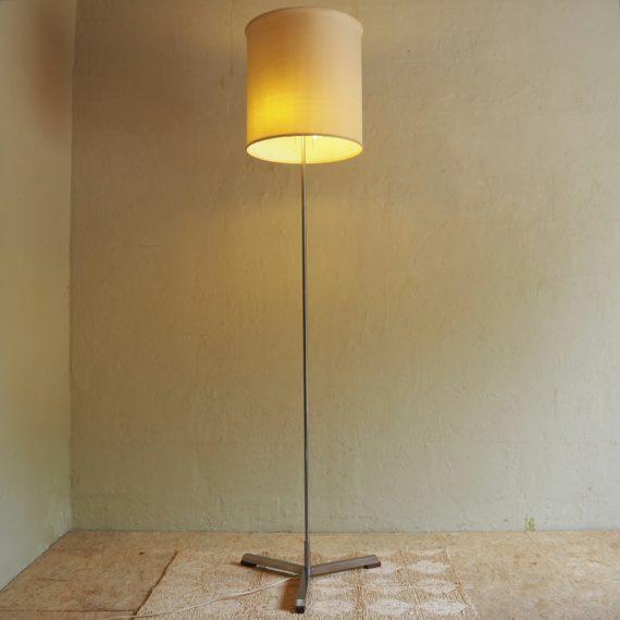 Willem Hagoort Vloerlamp model 353 - €195
