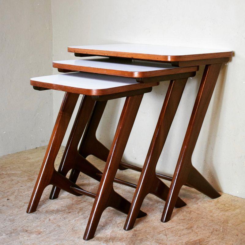 Skantik tafels bureaus for Ladenblok bureau wit
