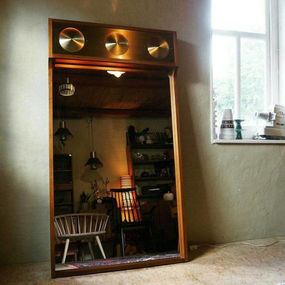 Grote exclusieve (hang)Spiegel Eriksmalaglas Sweden Kristalglas - Massief Teak/walnoot met messing en verlichting -132x73x9cm - sold