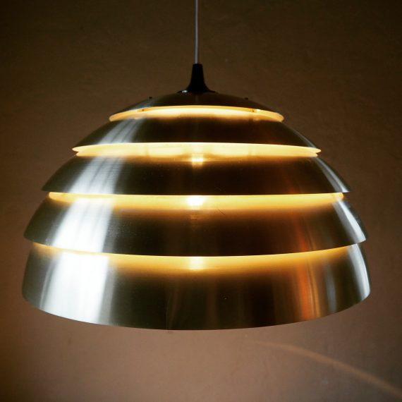 60's DOME Lamp Lamingo T 325 / 450 by Hans Agne Jakobsson, Markaryd - brass Ø46 cm H225cm - het kapje is niet origineel en de lak is op sommige plekken wat vervaagd, in lijn met de lagen - sold