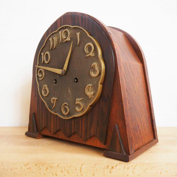 Junghans Württemberg Pendule W203 Klok - H26xD12cm - Kast van Pallisander hout, uurwerk van messing - Loopt en slaat goed, met een prachtige diepe gong - in zeer goede staat en inclusief sleutel - Art Deco Amsterdamse School - sold