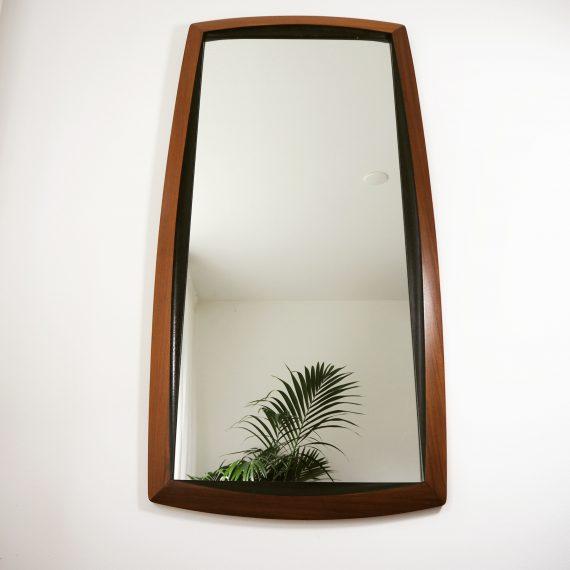 Grote Zweedse spiegel - Teak met zwarte facet rand - 124x50cm - sold