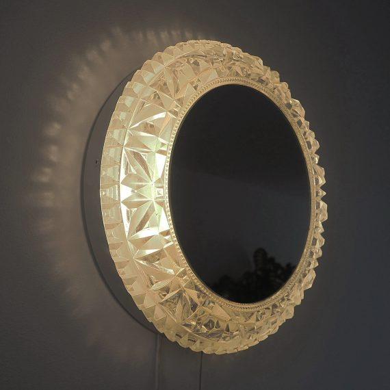 Spiegel met facet geslepen Glas rand en Verlichting - Helena Tynell, Glashütte Limburg, Germany - Ø31cm - €350