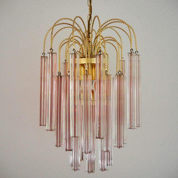 Vintage Kroonluchter - messing met zachtroze kristalglazen prisma/stervorm pegels - ø35cm L80cm incl. messing plafondkap - sold