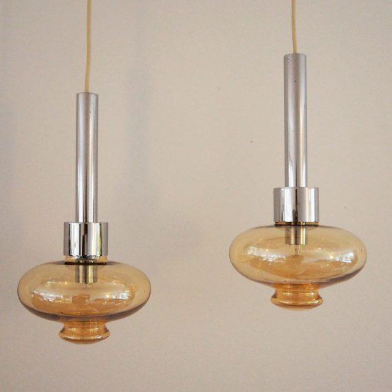 2 x Hanglamp van Glashütte Limburg, Germany - chroom met kap van oker/amberkleurig glas - H35Ø19cm snoeren 230 en 185cm - sold