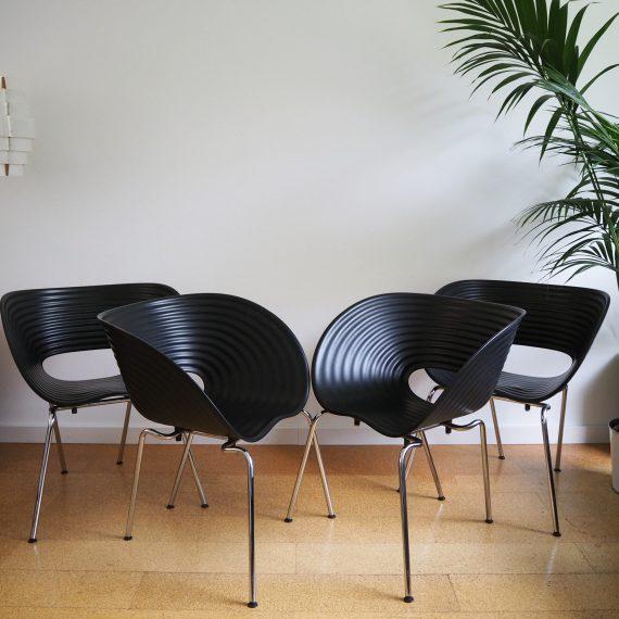 set 4 Vitra Tom Vac Stoelen - ontwerp Ron Arad - zwarte schaal met chromen onderstel - Stapelbaar - in goede staat met wat gebruikssporen - Sold