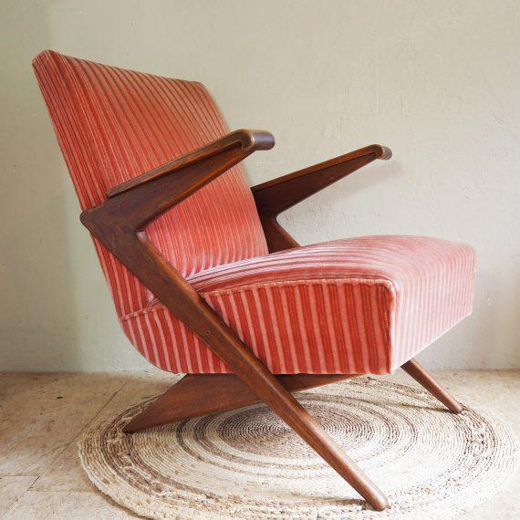 Vintage 50's design Fauteuil - Easy chair Teak & Roze bekleding - Goede staat, stevige zware kwaliteit - sold