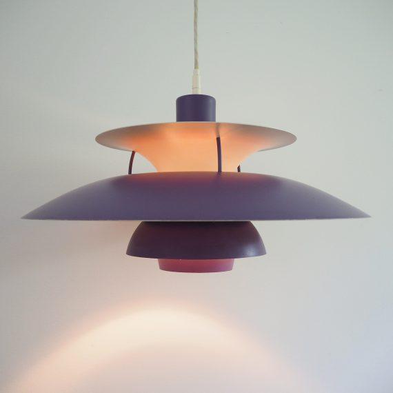 Paarse PH5 Lamp - Purple Poul Henningsen for Louis Poulsen - ø50cm - langs de rand van de bovenste schaal wat lak-slijtage - Vintage Danish design - sold