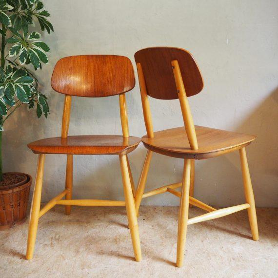 Vintage Zweeds design NESTO stoelen, gemerkt - Swedish design Nesto chairs - B43xD42xH78cm Zithoogte 44cm - sold