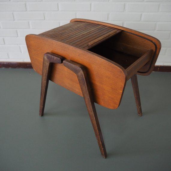 Vintage 50's Dutch design Naaikastje / Sewing Box / Opbergtafel met schuif roldeur - 56x40cm H50cm - sold