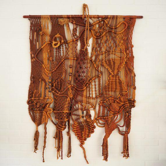 Groot Macramé Wandkleed uit de seventies B110xH130cm - Vintage Macramé Tapestry - sold
