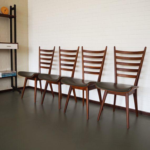 4 eetkamerstoelen uit de jaren 60 van Topform - prachtige gebogen plywood zitting met grijsgroene skai - B47xD57xH98cm ZH45 cm - in goede staat, 1 stoel heeft aan een hoekje aan de onderkant een kleine reparatie aan het plywood - Setprijs €700