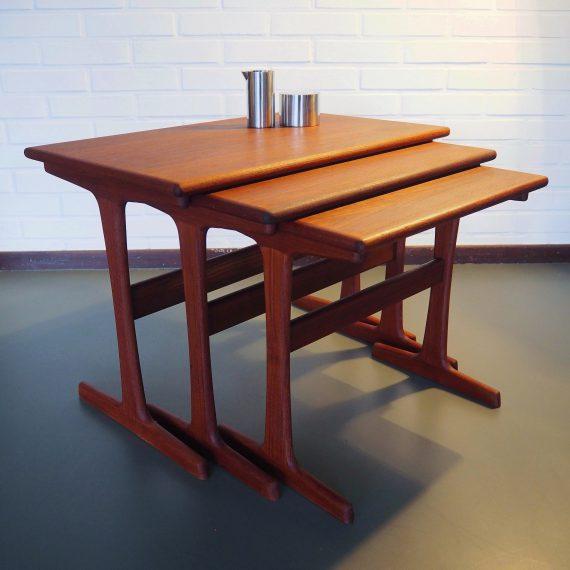 Kai Kristiansen Nesting Tables - Vildbjerg Møbelfabrik 60's - Danish design - 62x38xh44cm - €520