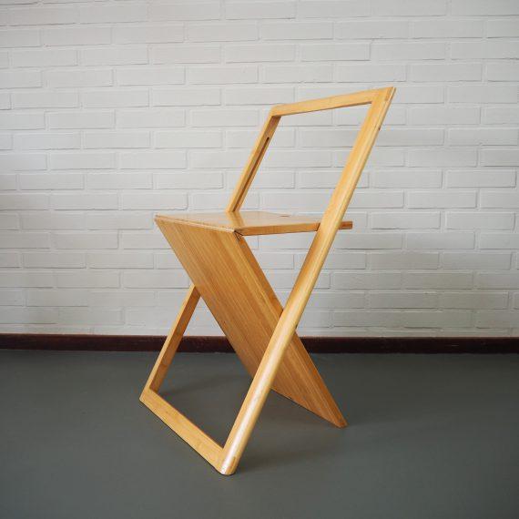 Z-chair design Klapstoel folding chair in Bamboe-hout, geheel plat in te klappen - mail voor meer foto's! - zeer goede staat - sold