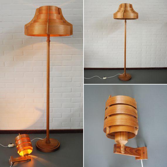 Zweeds design Lampen in hout en plywood by Hans Agne Jakobsson for Ab Ellysett Markaryd, Sweden - in goede vintage - en goed werkende staat, beide lampen hebben een reparatie, mail voor meer foto's! - Vloerlamp €290 Wandlamp €175