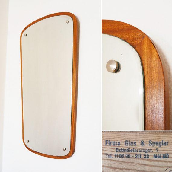 Grote Zweedse Spiegel in teak van Firma Glas & Speglar Malmö - 87x46cm - Vintage Swedish design mirror - €325