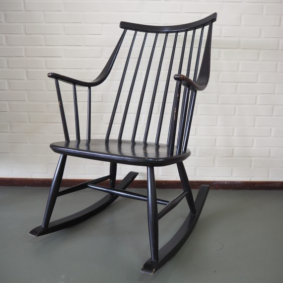 NESTO Schommelstoel by Lena Larsson, Swedish design Rocking Chair- €250