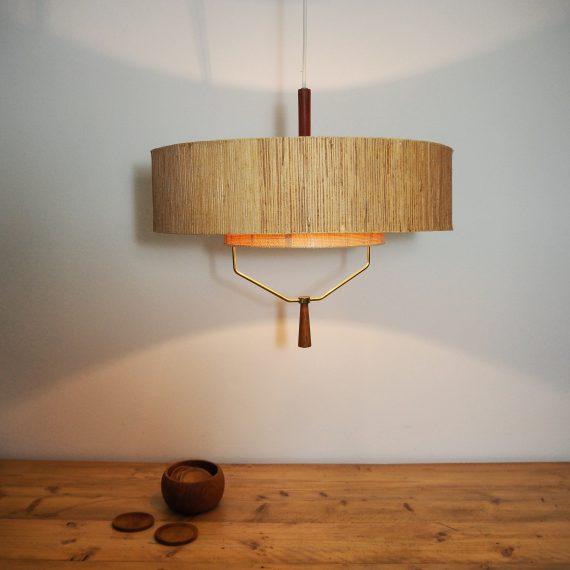 Grote sfeervolle Hanglamp met 2 kappen in rattan gecombineerd met messing en teak - Danish design Pendant Lamp - Ø45cm - in goede vintage staat met sporen van gebruik naar leeftijd, goed werkend - sold