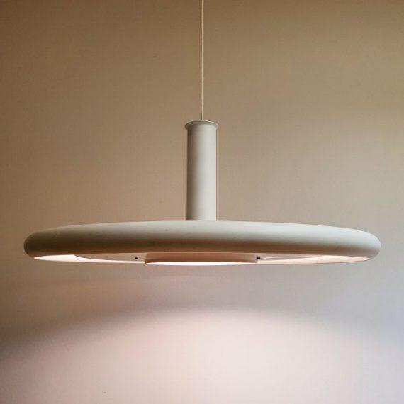 De OPTIMA 7 by Hans Due for Fog & Mørup - De grootste versie (zeldzaam) Vintage Danish design - Wit, in goede staat, bovenop wat kleine plekjes - Ø 60 cm en H 24 cm - €495